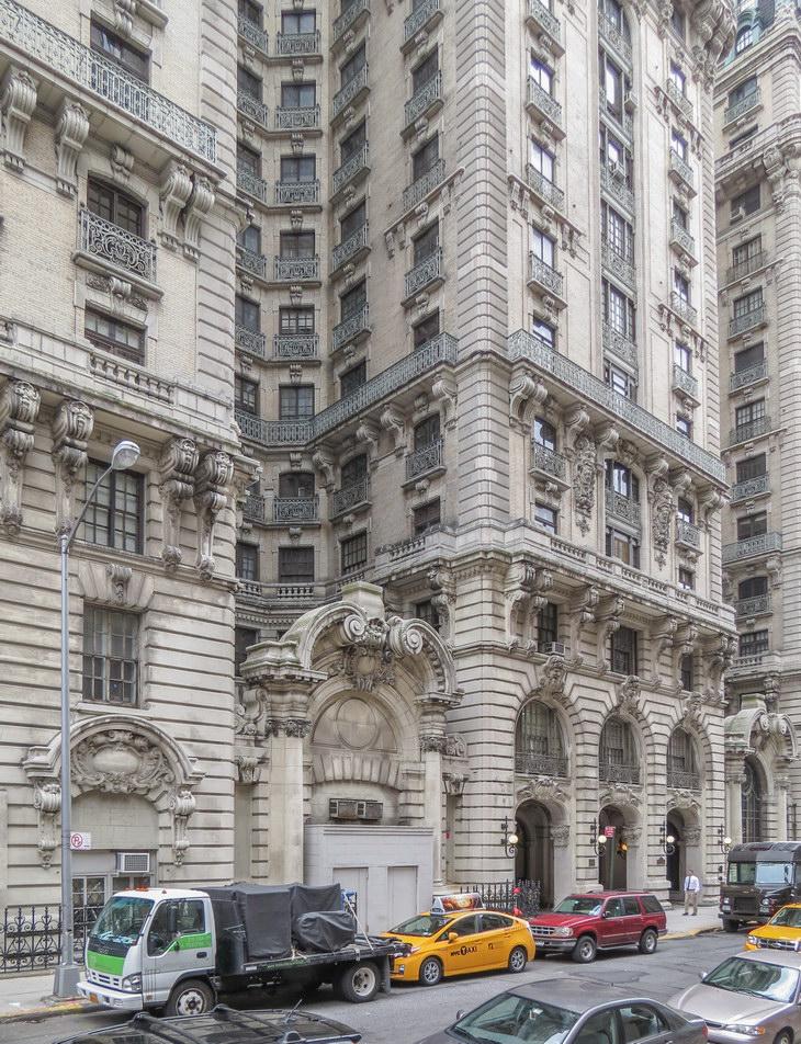 W 73rd Street facade.
