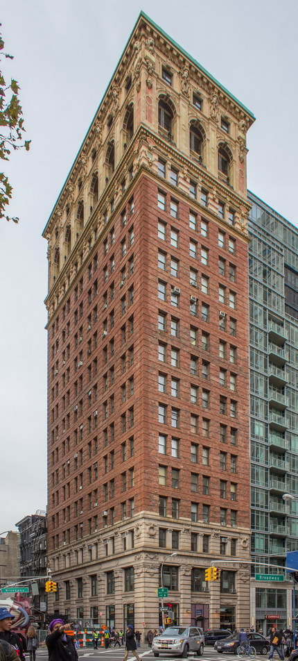 Broadway Chambers Building is designed in the classical base-shaft-capital configuration.