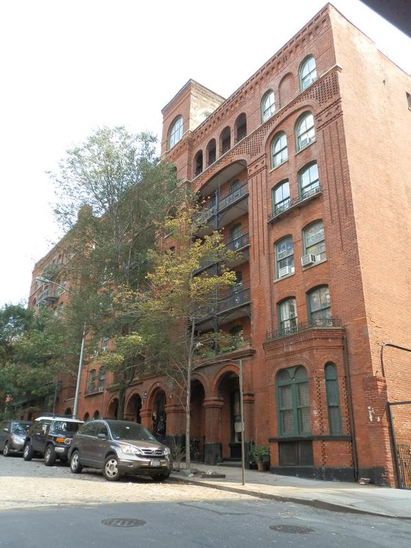 Brooklyn Heights: P9140122 [9/14/2011 3:00:47 PM]