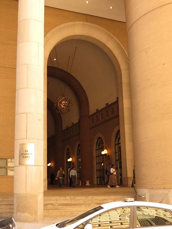 Doors of Manhattan: d40 []