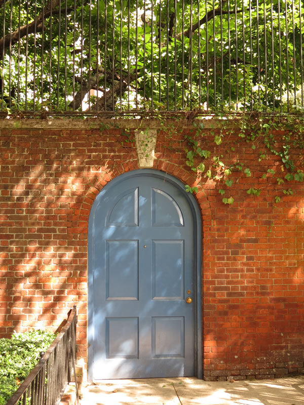 Doors of Manhattan: d53 []