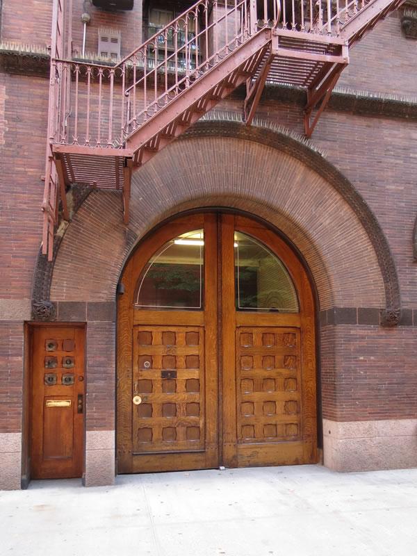 Doors of Manhattan: d57 []