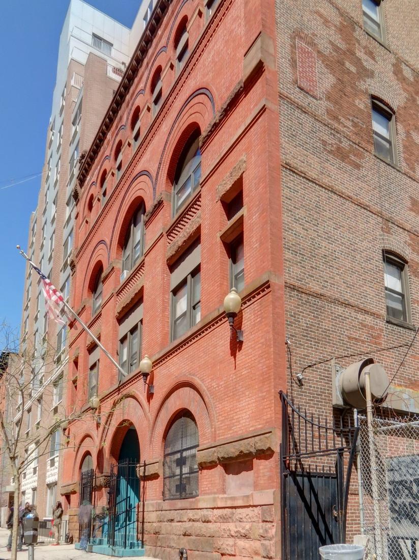 [Downtown Brooklyn] IMG_6577_8_9Adjust [4/3/2012 11:15:11 AM]