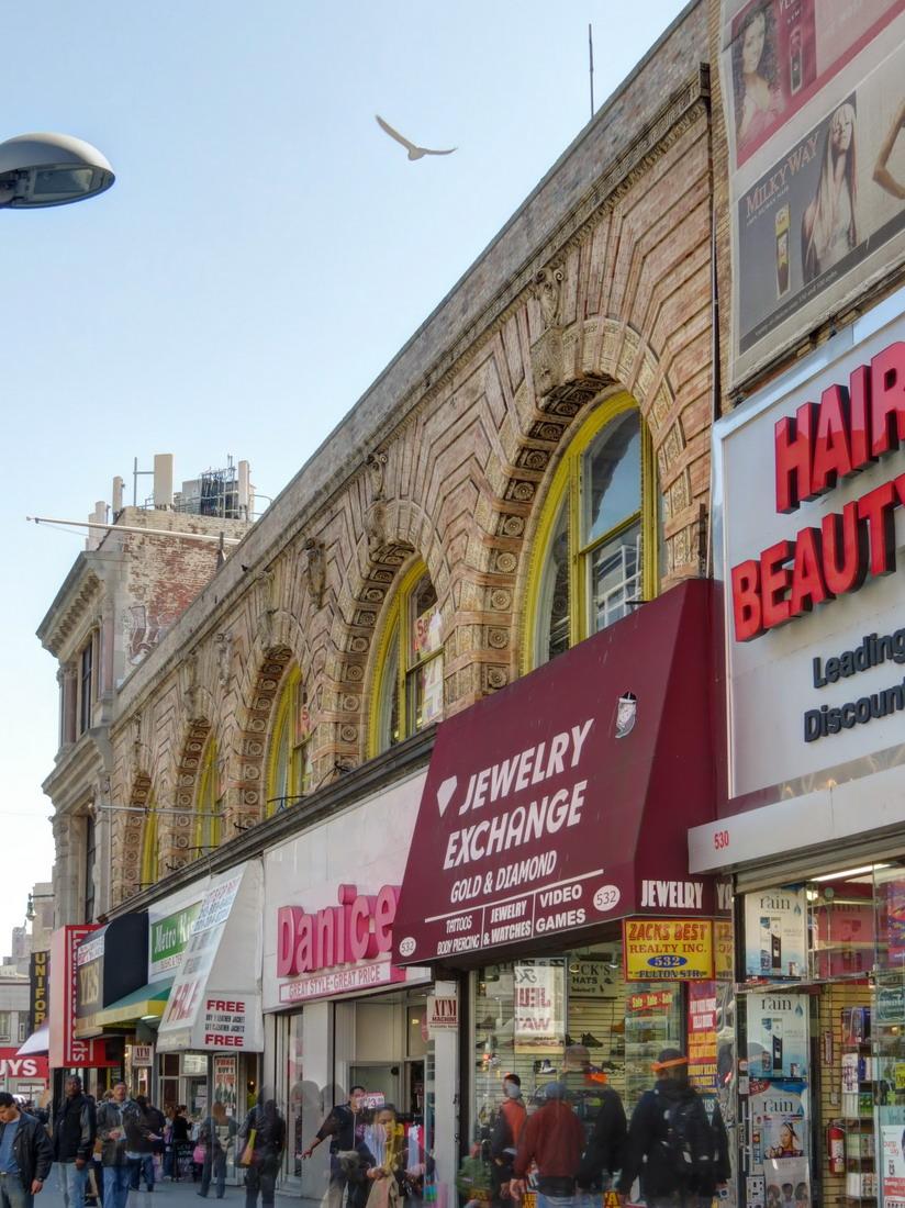 [Downtown Brooklyn] IMG_7357_8_9Adjust [4/4/2012 11:50:57 AM]