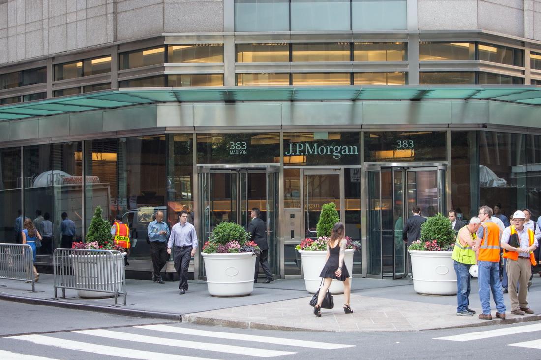 [Fifth Avenue Swath] O00_4333 [6/21/2012 8:49:43 AM]