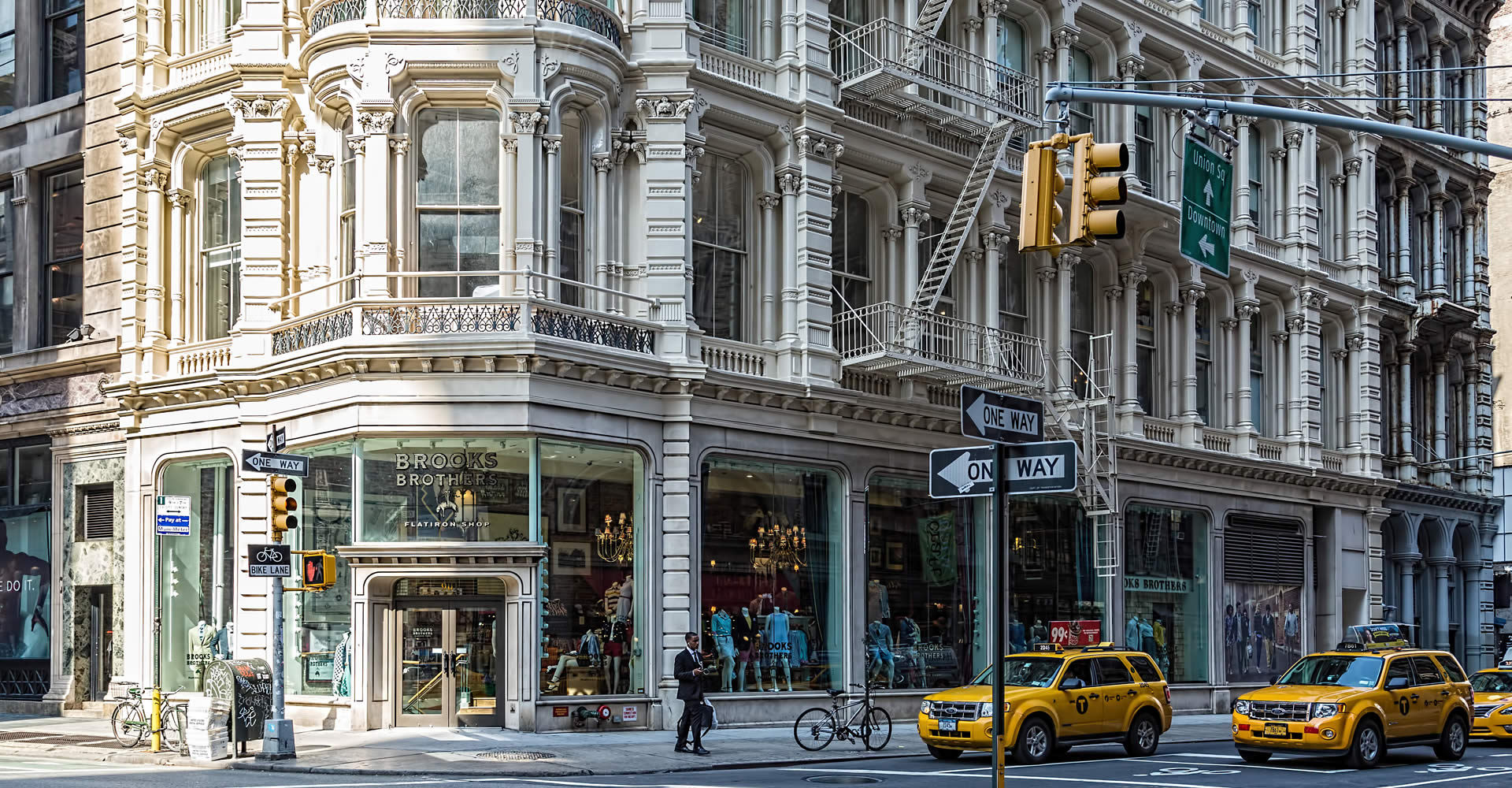"""<a href=""""../lord-taylor-building/"""" target=""""_top"""">Lord & Taylor Building</a>"""