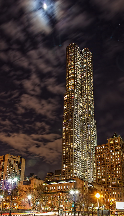 New York By Gehry - By Moonlight