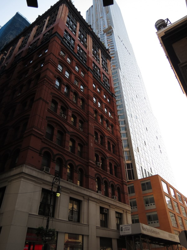 New York by Gehry: NYG_0005 [9/30/2011 9:47:25 AM]