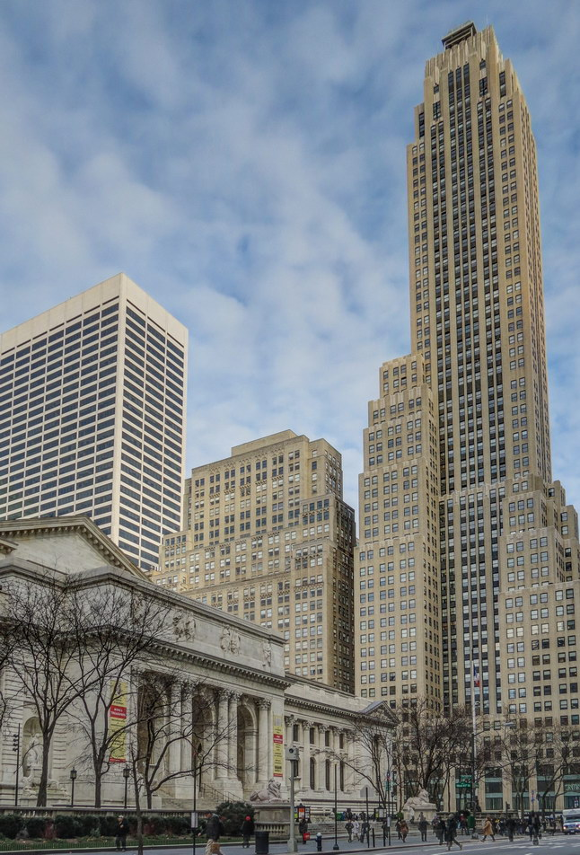 NY Public library; 500 Fifth Ave towers at right. (Remind you of Empire State Building? Same architects.)