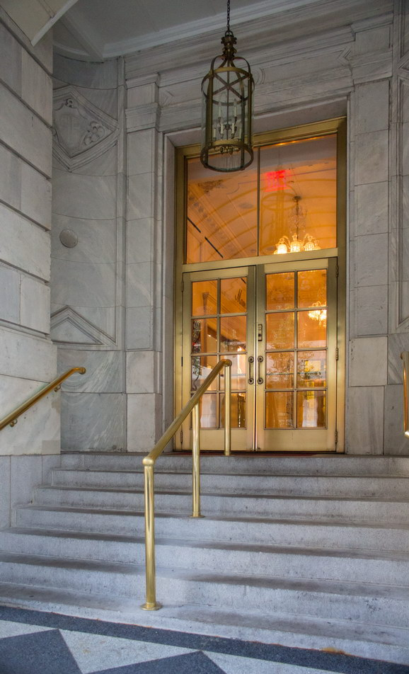 Plaza Hotel - a W58th Street entrance.