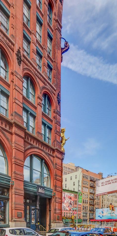Puck Building - NE corner.