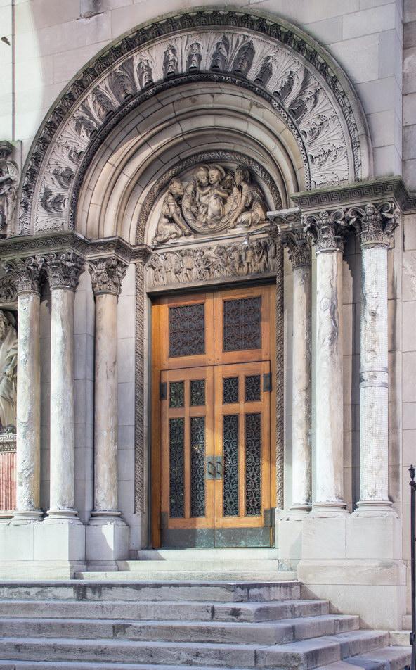 Portal detail.