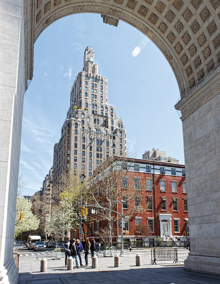 One Fifth Avenue framed by Washington Square Arch