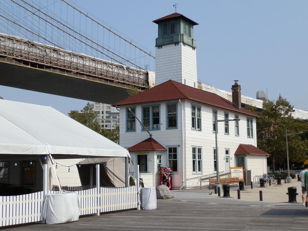 Brooklyn Heights: P9140082 [9/14/2011 2:12:19 PM]