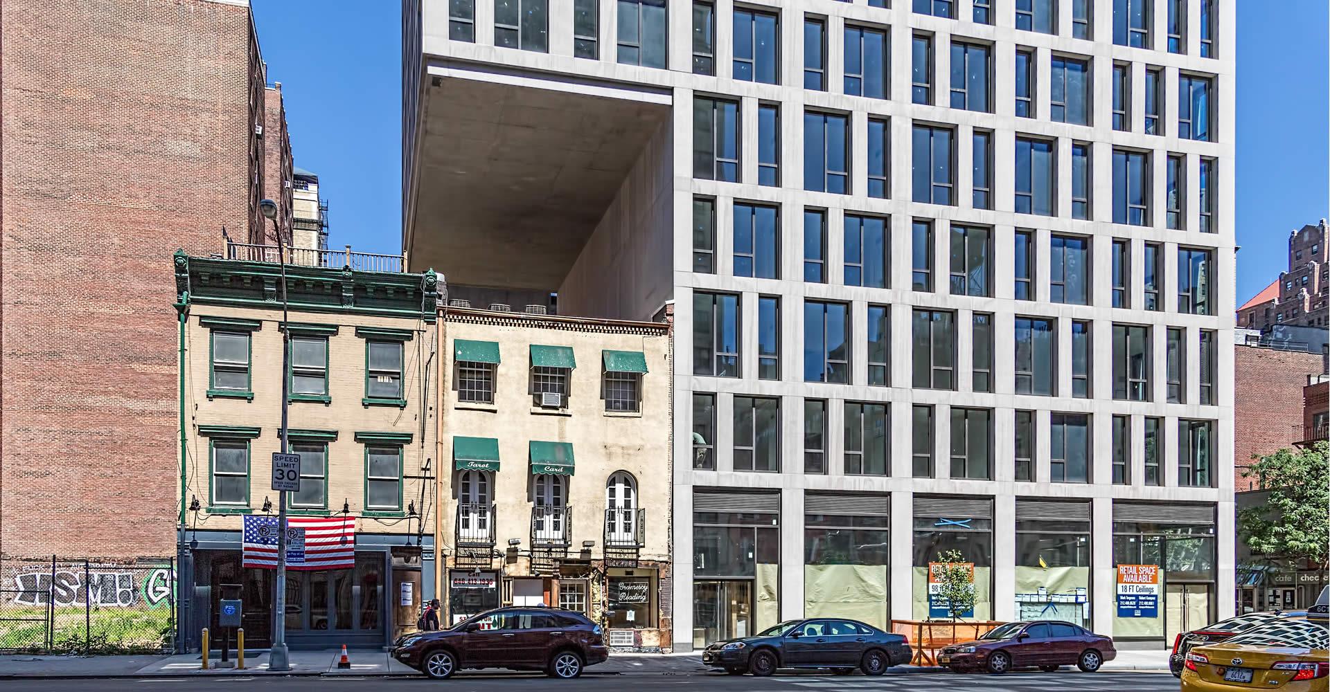 """<a href=""""../160-e-22nd-street/"""" target=""""_top"""">160 E 22nd Street</a>"""