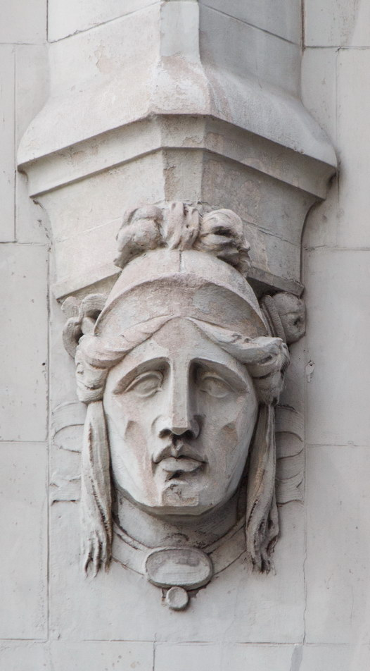 Four heads repeat around the Barclay Street, Broadway and Park Place facades. (3)